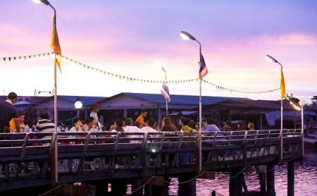 Laem charoen seafood restaurant i Rayong